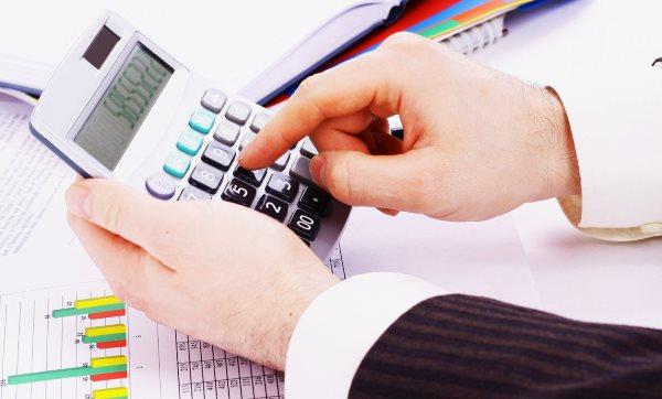 Со скольки лет дают кредит в Тинькофф банке?